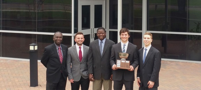 Students from School of Business win investment competition