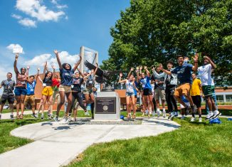 SCSU New Student Orientations: students jump for joy